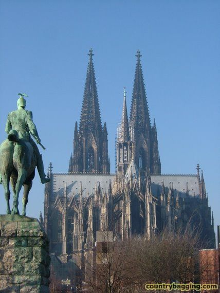 Koln Cathedral - www.countrybagging.com