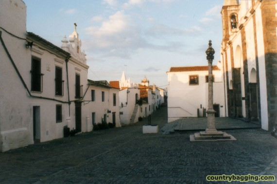 Obidos - www.countrybagging.com