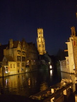 Brugge at night - www.countrybagging.com